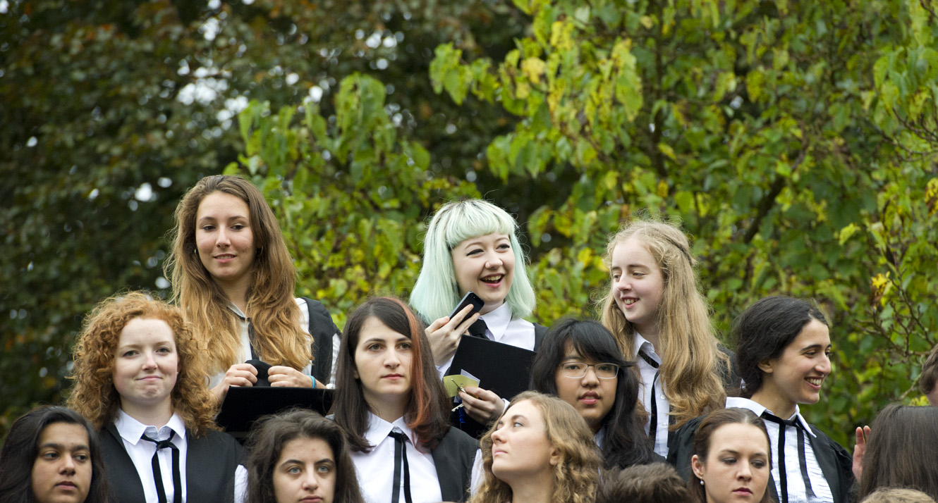 Women on matriculation day at Balliol 2014 (photo: Rob Judges)