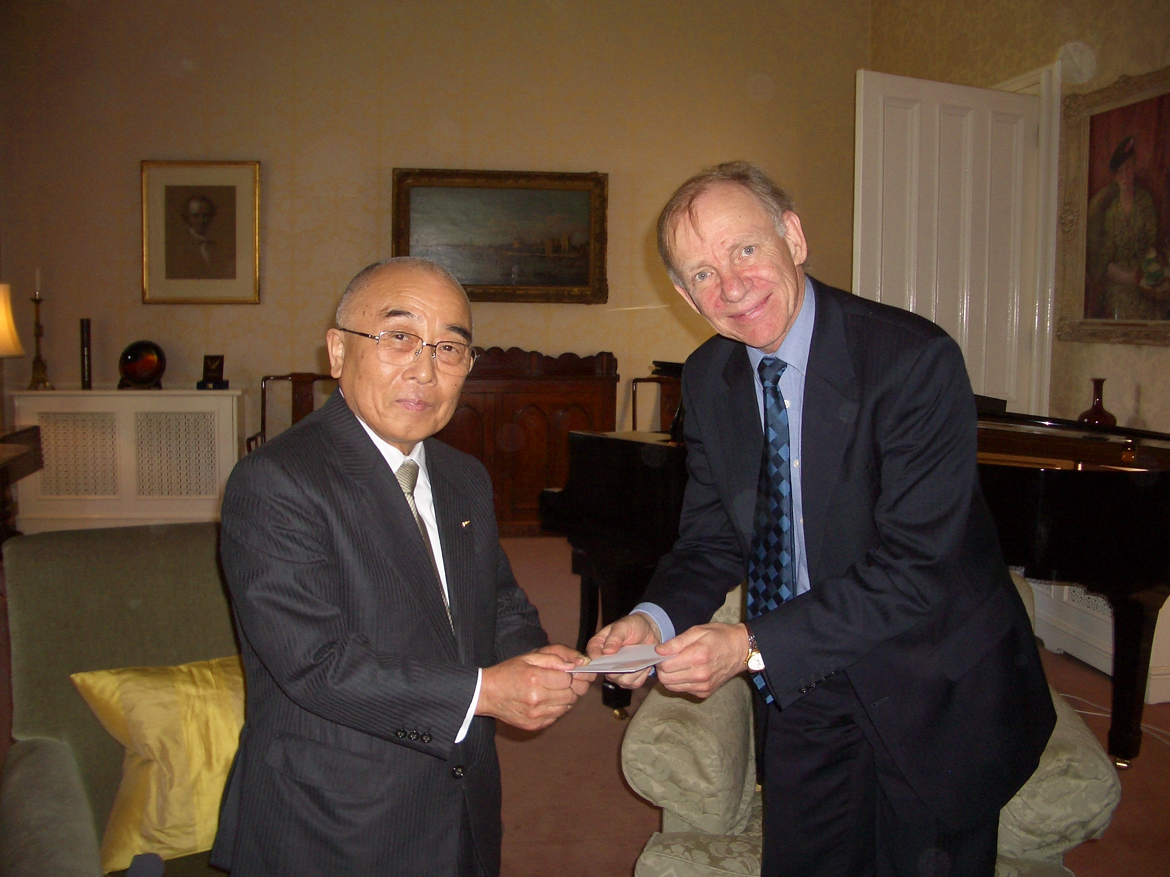 Revd Toshihide Numata at Balliol in 2006, with Andrew Graham, Master